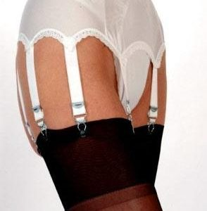 8 Strap suspender belt in white or red