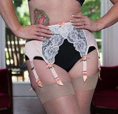 peach 8 strap suspender garter belt