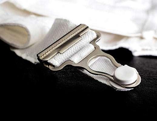 suspender belt with metal clips