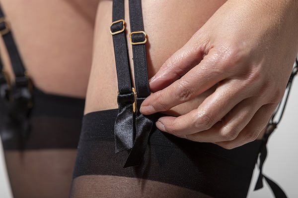How many suspender straps do I need - the more the better, at least 6 or 8.